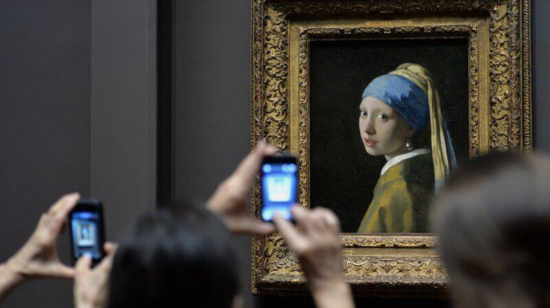 The Girl with a Pearl Earring Museum Photo